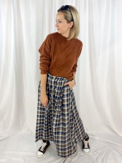 Ava skirt logo