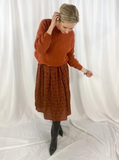 Short round knit roestbruin