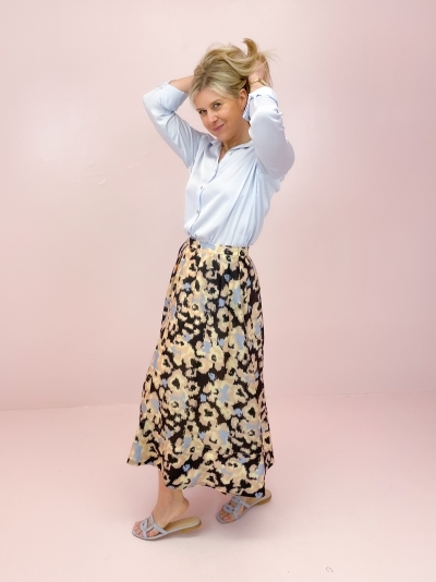 Ruth skirt deep well