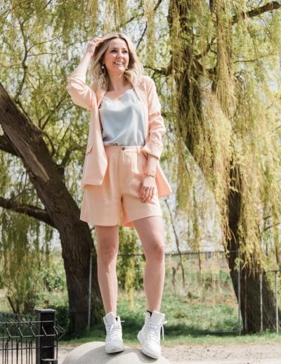 Cassi Laveta Blazer peach fuzz