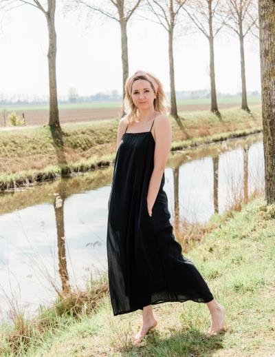Vikilina dress black