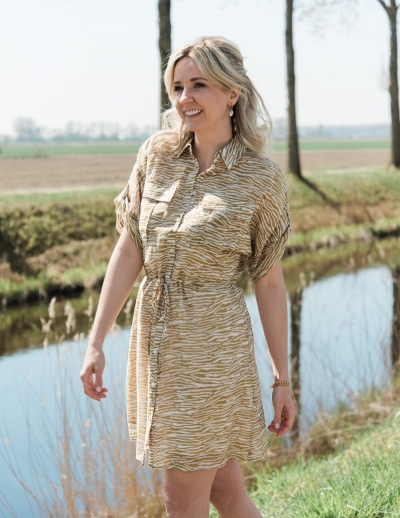 Enga dress dried tobacco