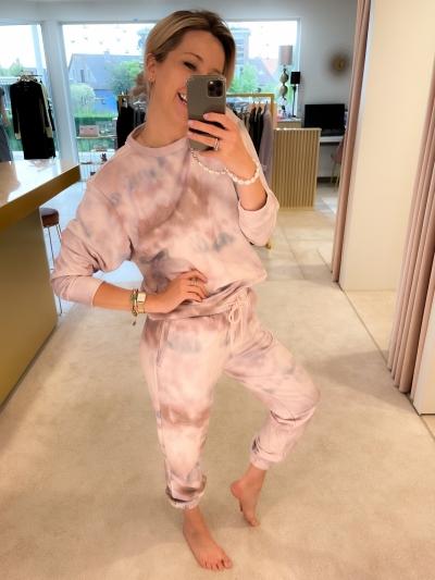 Holly print sweat sage tie dye