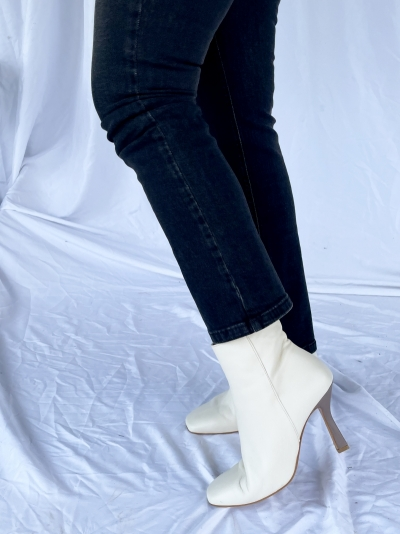 Paparazzi ankle boots logo
