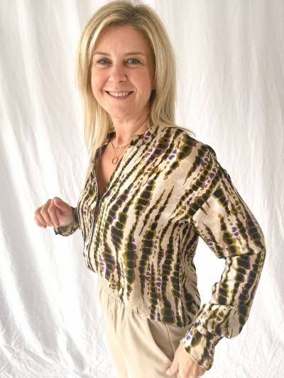 Sanija blouse logo