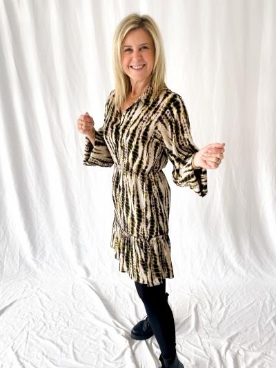 Suzanna dress olive dessin