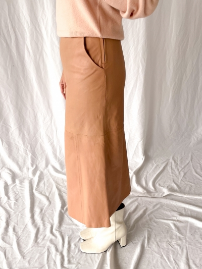 Leicester leather skirt clay