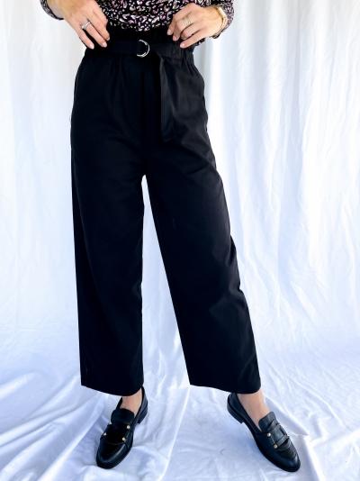 Aya trousers logo