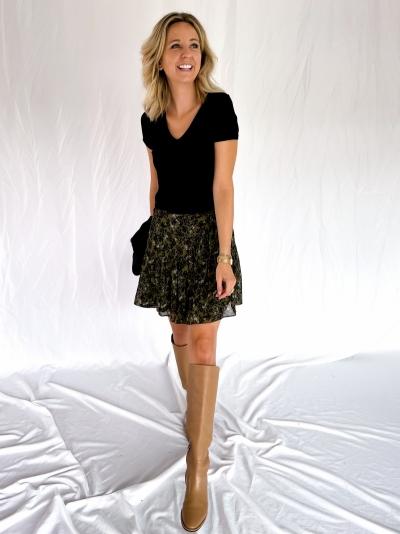 Simone skirt logo