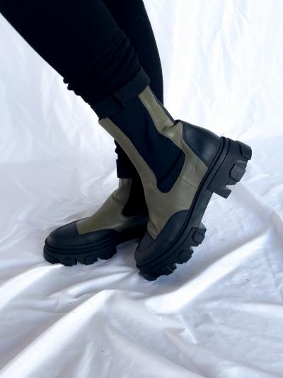 Khaki boots logo