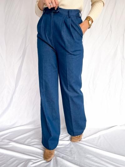 Moore denim pants logo